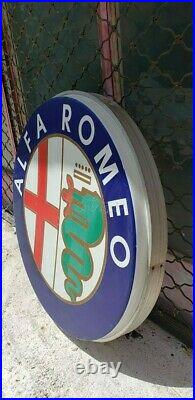 BEAUTIFUL ALFA ROMEO CAR VINTAGE SIGN, from the 90's. Lighted Neon