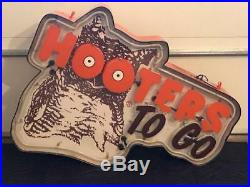 Hooters To Go Restaurant Vintage Lighted Neon Sign