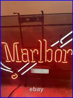 Large MARLBORO NEON LIGHT SIGN, Bar Man Cave, vintage, 21 x 28 Bright Colors