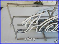 Vintage Hamm's Neon Lighted Beer Sign Excellent Condition. Awesome
